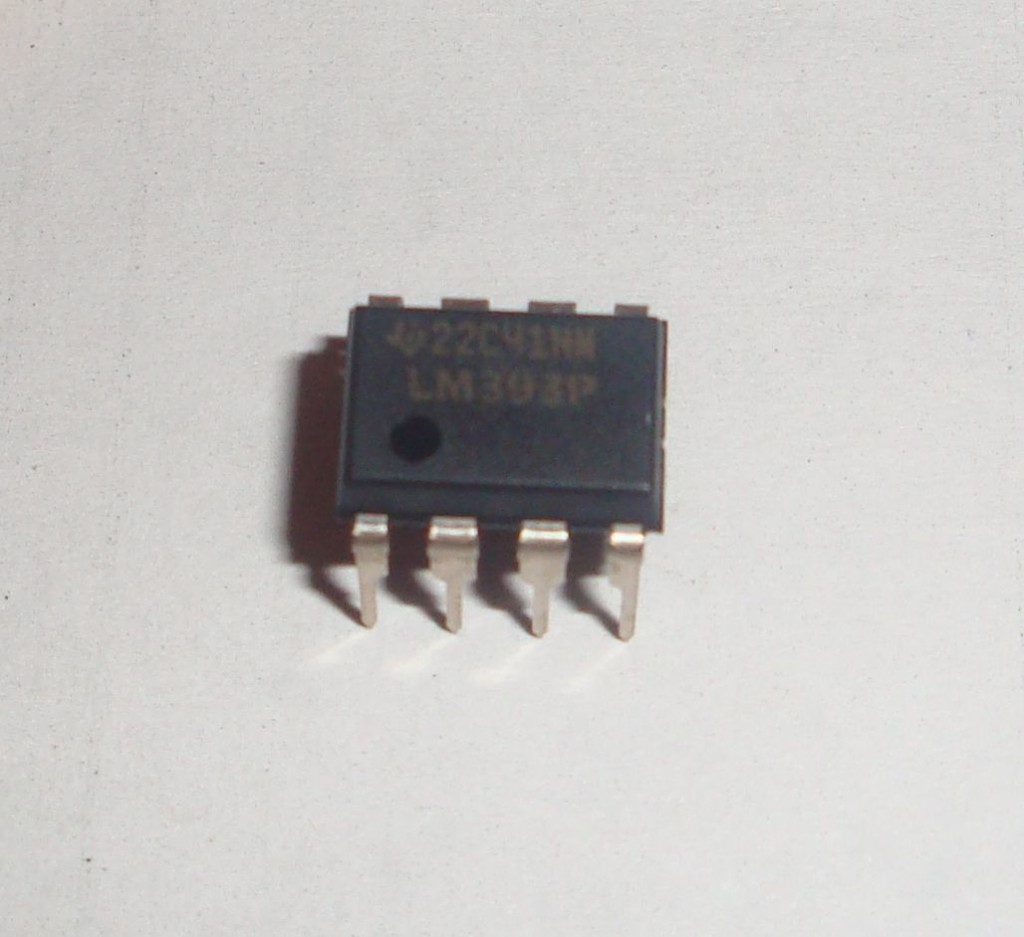 LM393 Dual Comparator